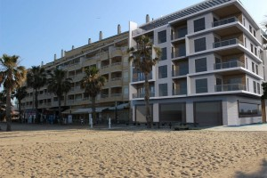 Buy apartment in first line of the beach. La Mata. Torrevieja.