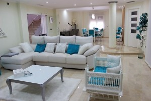 Buy luxury and modern villa. Jacarilla. Alicante.