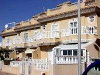 TOWNHOUSE . LA MATA