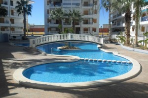 Buy apartment with 3 bedrooms and swimming pool. La Mata. Torrevieja.