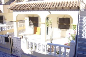 Buy bungalow with a terrace. La Mata. Torrevieja.