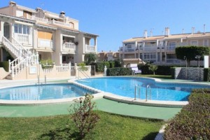 Buy townhouse on two floors. Torrevieja.