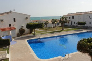 Buy bungalow in first line. Playa Flamenca. Orihuela Costa.