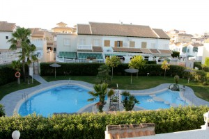 Bungalow for rent with pool view. La Mata. Torrevieja.